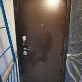 See in Instagram:Монтаж входной двери Гарда в хрущевку с расширем проема под метровую дверь по желанию заказчика